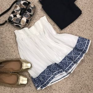 NWOT - Old Navy White & Blue Skirt (Medium)
